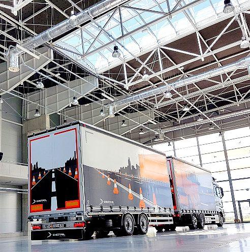 Typy naczep i przyczep do samochodów ciężarowych